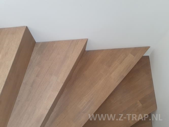 z-trap_zwevend_rubberwood