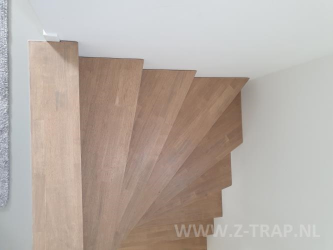 z-trap_rubberwood_zwevend